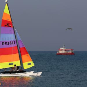 قایق بادبانی