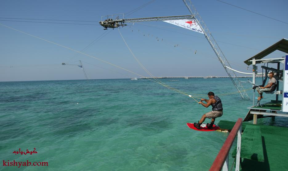 ورزش مهیج کیبل اسکی در جزیره کیش /تصاویر