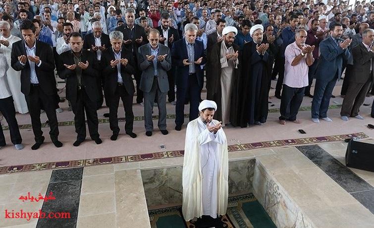 اقامه اولین نماز جمعه در مصلای کیش