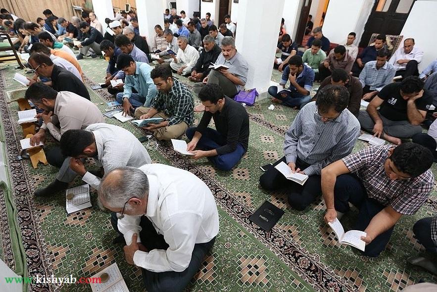 مراسم احیای شب نوزدهم ماه رمضان در مساجد کیش /تصاویر