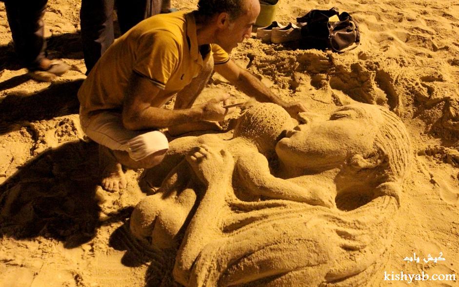ساخت مجسمههای ماسهای در ساحل کیش /تصاویر